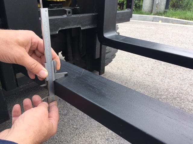 Niewiarygodnie Blog - Pomiar zużycia wideł do wózków widłowych. Spare SZ54